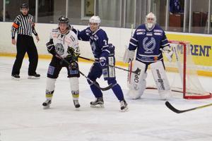Filip Andersson i Köping var liksom tränare Daniel Eriksson missnöjd med första perioden.