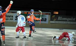 Ville Aalton var effektiv på topp och gjorde tre mål när Bollnäs sänkte Kalix med 8–1 i hemmapremiären.