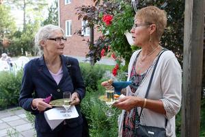 Else-Marie Nilsson, omvårdadsförvaltningen och Birgitta Tapper , var några av de minglande vid invigningen.