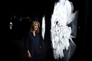 Konstnären Charlotte Gyllenhammar som är aktuell med en utställning på Fotografiska museet.