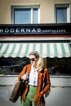 Som tonåring längtade Miriam Parkman bort från Härnösand, nu kan hon tänka sig att flytta hemåt på sikt.