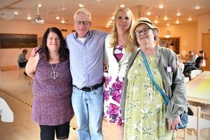 Marita Bysell, kamratstödjare, Jimmie Trevett, förbundsordförande, Agneta Dahlqvist, kamratstödjare och Carina Renhall, RSMH.