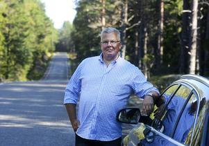 Morgan Åhlund, ordförande i Lörans hamnförening vid väg 560, Löransvägen.