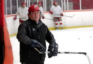 Nye HSK-tränaren Bernie Lynch gör ingen hemlighet av att målet är att vinna serien.