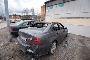Bilbränder i Hovsjö.