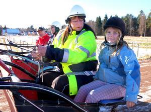 Lia Ors fick åka med Carina Myrlund, bakom dem syns Dan Gustafsson och Bernt Arnesson.