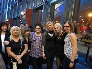 Lena Larsson, Eva Svedjerot, Helen Lifh, Marina Eriksson, Caroline Frisk och Ammi Björsell från avdelning 112 O på Gävle sjukhus var redo att festa loss.