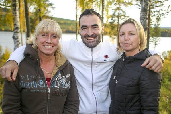 Malin Odén, Mahmod Alkwas och Maria Ekelund har haft fullt upp att ta emot och distribuera hjälp till flyktingar på framför allt Krokströmmen, men även andra ställen, de senaste veckorna.