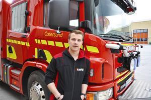 Olle Olofsson är på plats vid storbranden i Sala.