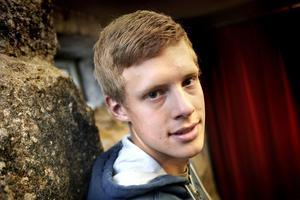 Fredrik Jonsson gör debut i världscupen på lördag.