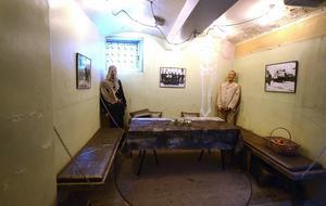 Det finns mycket historia i stadshuset, gamla fängelsecellen.