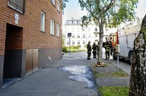 När Räddningstjänsten kom till platsen hade ägaren lyckats släcka elden på egen hand.