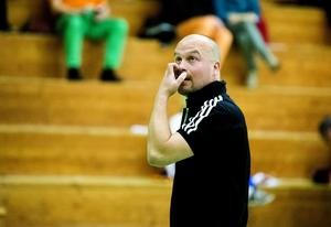 Nye tränaren Roger Övermark klargör att det tredjeplacerade Brännan enbart sneglar uppåt i tabellen inför våromgångarna som inleds på söndag med hemmamatch mot Enköping.
