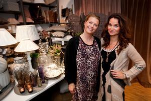 Inbjuden. Tine Kjeldsens produkter är storsäljare på Tullhuset. Anna Khysing Persson, till höger, var glad över att Tine ville träffa hennes kunder.