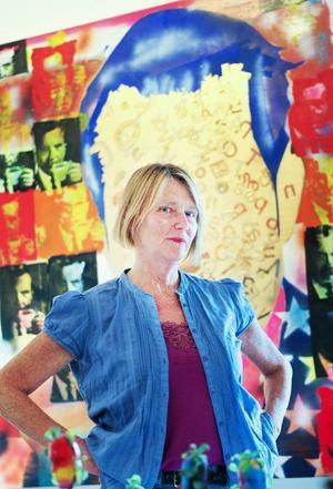 Marie Grönlund började tillsammans med sin syster Karin som Kjartan Slettemarks assitent 1982. Nu sätter de samman utställningen som huserar på Jamtli till i oktober.