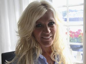 """Saknade sin pappa. Hollywoodfrun Maria Montazamis pappa lämnade familjen i Västerås efter skilsmässan. """"Det är därför jag tycker familjen är så viktig"""".foto: Nora Nergiz westerbergh"""