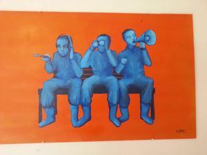 Kape, Gustav Lindqvist, visar själv tre målningar under utställningen i sitt Galleri @tlantis i Rissna.