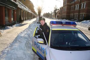 Närpolisen Nils-Olof Tivemyr välkomnar fler poliser till Laxå och Askersund. Han påpekar att Laxå och Askersund länge har varit underbemannade.