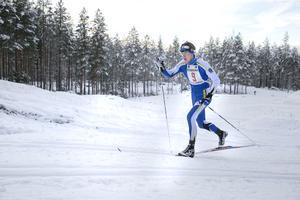 Alfred Eriksson, Dala-Järna IK trycker på uppför den långa backen.