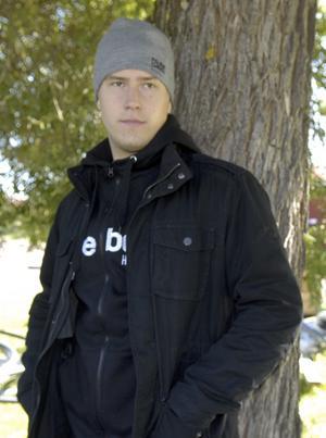 Tony Lagerström står inför sin tredje allsvenska säsong med Mora IK, vilket troligen blir hans sista. Han kunde också lika gärna redan ha flyttat, men