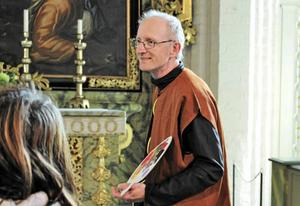 Per Nilsson föreställer David Klöcker Ehrenstrahl som målat altartavlan