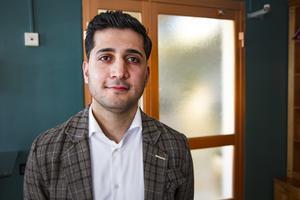 Sohrab Fadai  är Företagarnas regionchef i Dalarna, men hoppar in för Eva Cooper, ordinarie regionchef i Gävleborg, som är barnledig.