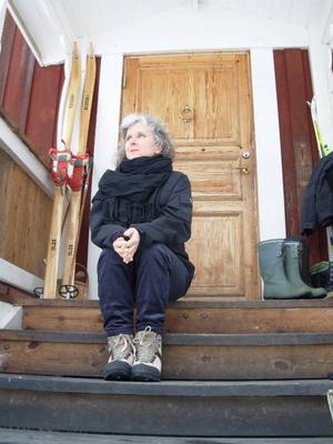 Aktuell. Birgitta Lillpers fick igår mycket uppskattande recensioner för sin nya diktsamling Nu försvinner vi eller ingår. En recension publiceras på tidningens hemsida.