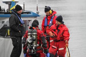 Kustbevakningens dykare sattes in för att hitta den försvunna mannen.