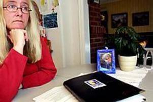 Foto: GUN WIGH Jobbar vidare. Christina Anderssons dotter Malin dog i cancer 2001. Nu fortsätter Christina att arbeta inom Barncancerfonden med att lyfta fram botade barns livssituation.