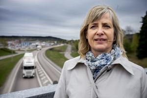 – Sänkt hastighet och fler mitträcken sparar liv, säger Ingela Öhrling.