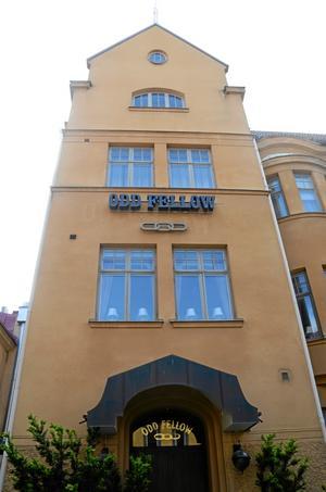 Här här huset. På marknadsafton är det öppet hus hos Odd Fellow på Köpmangatan 7 i Örebro.