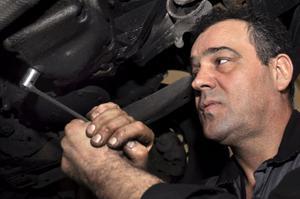 Zdenko Antunovic tipsar om vad man kan göra för att fräscha upp sin bil efter vintern.