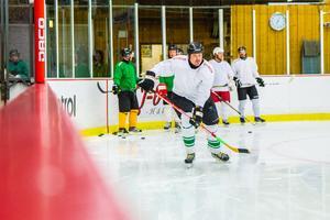 Dan Glavén Lekstrand hoppas att rekreationslaget kan locka fler ungdomar – i stället för att de bara slutar spela ishockey.