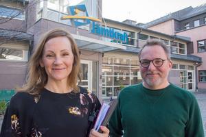 Caroline Hildhal och Robert Forslund på Jämtkraft jobbar med den kommande solcellsparken i Östersund.