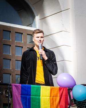 – Jag växte upp i Falun men för några år sedan kunde jag aldrig drömma om att vi skulle ha en pridefestival i Falun, sa Martin Kallur. Foto: Bengt Pettersson