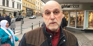 """Wail Ghandur kom från Syrien till Sverige för 32 år sen och trodde att 44-åringen var att lita på eftersom hans släktingar gick i god för honom. """"I dag har jag förlorat tilliten till andra"""", säger han."""