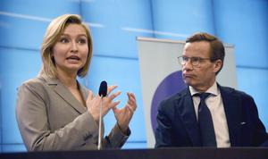 Ulf och Ebba borde veta att Ringhals 1 läggs ner av ekonomiska skäl. Foto: TT
