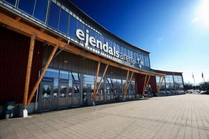 Snart kommer skyltarna på arenan att bytas ut. Ejendals arena blir Tegera Arena efter en av företagets bästsäljande produkter.