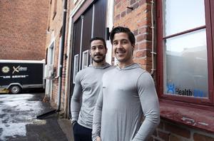 Tvillingarna Robin och Kevin Eriksson har hängt ihop sedan födseln och nu startat eget ihop.