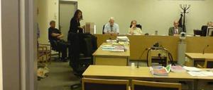Rättegången mot de åtalade i kopplerihärvan avbröts på onsdagsförmiddagen men återupptogs på eftermiddagen.