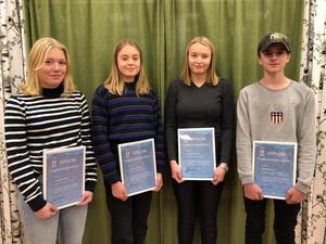På bilden från vänster: Liza Backlund, Sundsvalls slalomklubb, Elsa Granholm, Stockviks skidklubb, Louise Jonsson, Alnö skidklubb och Malte Åberg, Nolby alpina idrottsförening.