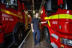 Jens Walldorf är utbildad brandingenjör.