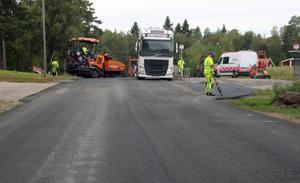 Sträckan mellan Ludvika och Björsjö belades förra sommaren med ny asfalt.