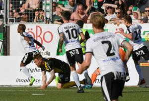Både Kennedy Igboananike och Daniel Björnquist saknades under tisdagens träning. Foto: Conny Sillén / TT /