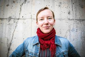 Linn Åslund översätter Harlequin-romaner - nu debuterar hon med barnbok.