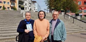 Poeten Roberto Farias Veras, sonen Marcel Farias och vännen Lautaro Cotal Rojas.