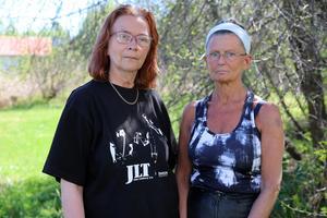 Helen Martis, matte till Kim, och Minette Lindström i Våmhus där många bybor också engagerat sig i sökandet efter hunden.