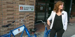 Det var 1 september 2017 som Nicki Eby tillträdde som hotelldirektör, vd, för Clarion Hotel Grand på Prästgatan. Entusiasmen hos hotellets ägare Petter Stordalen fick henne att söka jobbet.
