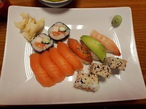 Priset på Sushi bar får maten att smaka riktigt bra.