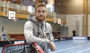 Oscar Janthe är laddad för säsongspremiär i Björkestahallen. På lördagen 15.00 smäller det – och den som inte kan ta sig till hallen, kan se matchen på LT.se.